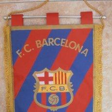 Coleccionismo deportivo: ANTIGUO BANDERIN DEL F.C.BARCELONA GRANDE . Lote 38374616