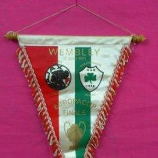 Collezionismo sportivo: BANDERIN ORIGINAL FUTBOL: WEMBLEY. FINAL COPA DE EUROPA. AJAX-PANATHINAIKOS. 1971 . Lote 38455143