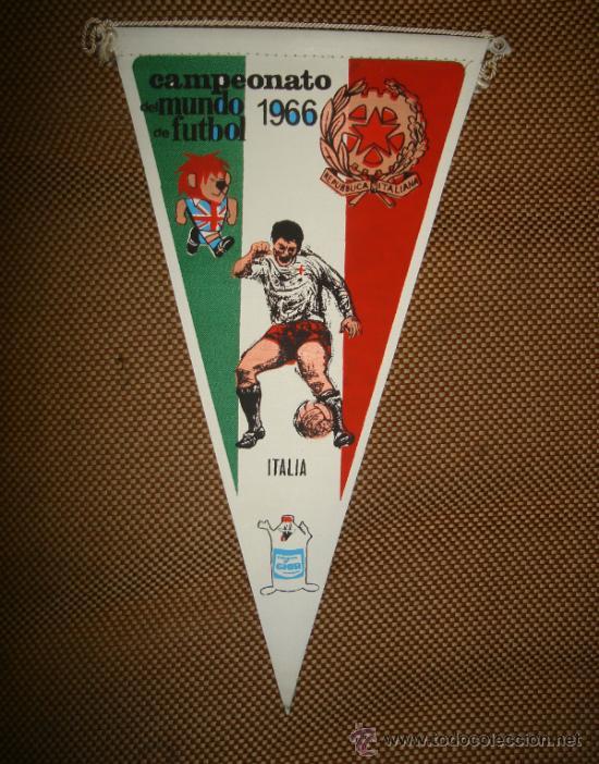 BANDERIN COPA DEL MUNDO DE FUTBOL. INGLATERRA. 1966. EQUIPO ITALIA. GENTILEZA DE GIOR. (Coleccionismo Deportivo - Banderas y Banderines de Fútbol)
