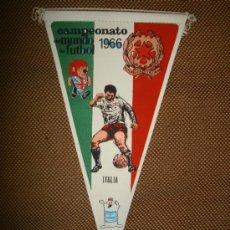 Coleccionismo deportivo: BANDERIN COPA DEL MUNDO DE FUTBOL. INGLATERRA. 1966. EQUIPO ITALIA. GENTILEZA DE GIOR.. Lote 38684017