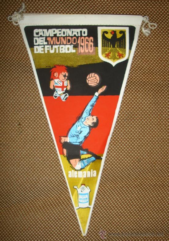 BANDERIN COPA DEL MUNDO DE FUTBOL. INGLATERRA. 1966. EQUIPO ALEMANIA. GENTILEZA DE GIOR. (Coleccionismo Deportivo - Banderas y Banderines de Fútbol)