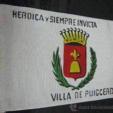 Coleccionismo deportivo: BANDERITA SOBREMESA O COCHE AÑOS 70 - VILLA DE PUIGCERDA . Lote 39141353