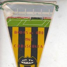 Coleccionismo deportivo: MUY BUEN BANDERIN FUTBOL - BODAS DE ORO DE L C.D. BASCONIA 1963 DE LA ÉPOCA. Lote 39948846
