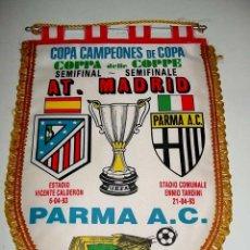 Collectionnisme sportif: ANTIGUO BANDERIN DE FUTBOL - AT. MADRID & FIORENTINA - COPA DE LA UEFA - AÑO 1989 - MIDE 38 X 2. Lote 38260384