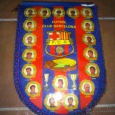 Coleccionismo deportivo: ANTIGUO BANDERIN FUTBOL CLUB BARCELONA.44X30CM. Lote 40391832