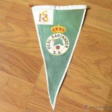 Coleccionismo deportivo: BANDERIN DE FUTBOL DE LOS AÑOS 50 DEL EQUIPO REAL SANTANDER - S. D. - RACING CLUB. Lote 40668951