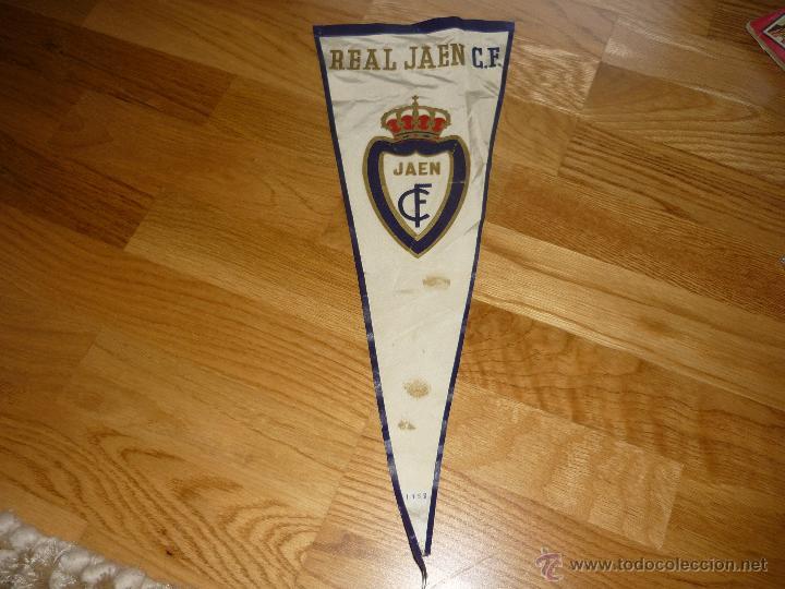 ESPECTACULAR BANDERIN REAL JAEN CLUB DE FUTBOL 1958 PRIMERA DIVISIÓN CREO (Coleccionismo Deportivo - Banderas y Banderines de Fútbol)