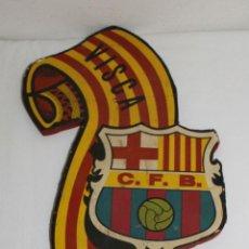 Coleccionismo deportivo: BANDERÍN DEL FÚTBOL CLUB BARCELONA - PAPEL SOBRE MADERA - AÑOS 40 - VISCA EL BARÇA. Lote 42027054