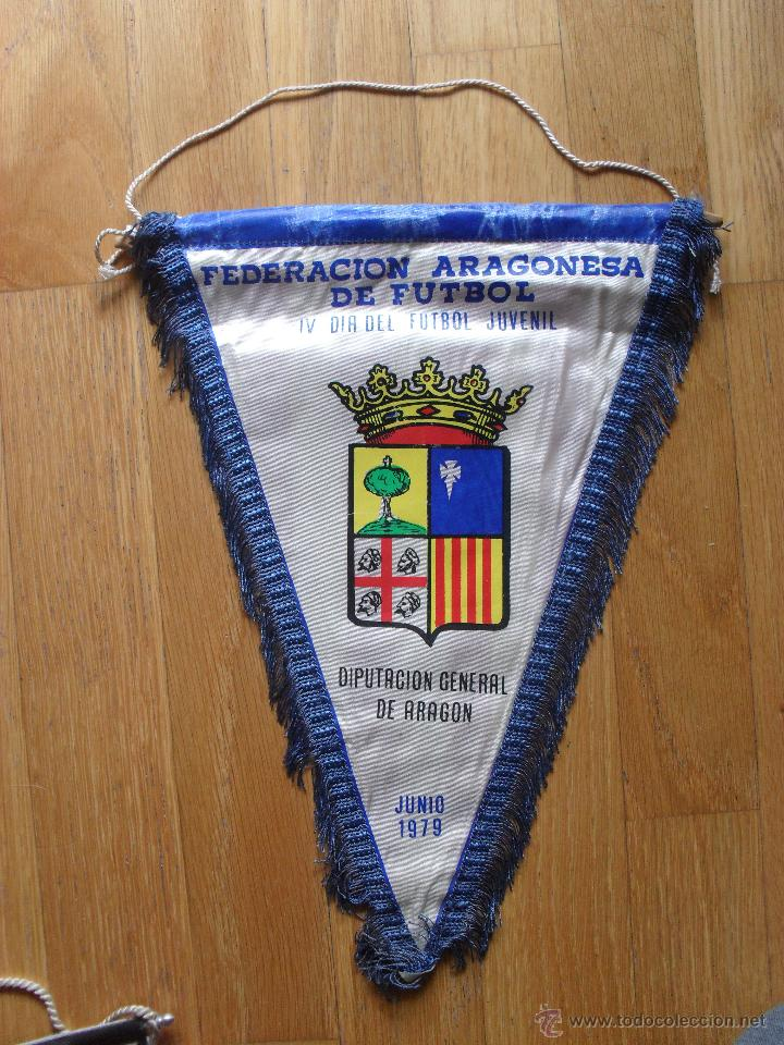 BANDERIN FEDERACION ARAGONESA DE FUTBOL, IV DIA DEL FUTBOL JUVENIL, 1979 (Coleccionismo Deportivo - Banderas y Banderines de Fútbol)