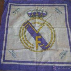 Coleccionismo deportivo: MINI BANDERA REAL MADRID HALA MADRID. 50 X 48 CM . Lote 42838341