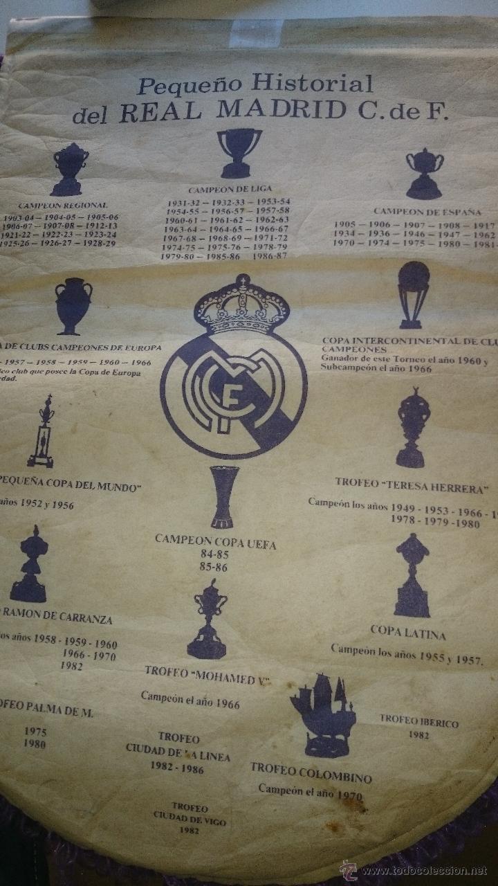 Coleccionismo deportivo: Banderin Real Madrid,quinta del buitre años 80-90 -42x30 cm. - Foto 2 - 43288231