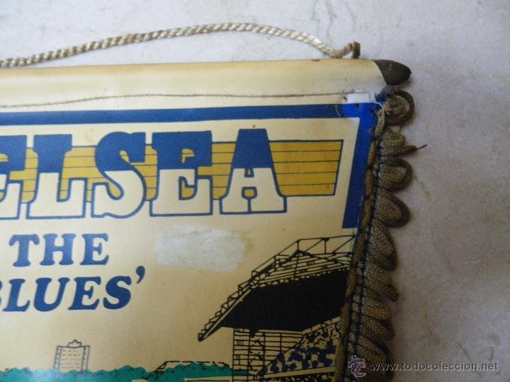 Coleccionismo deportivo: Banderín del CHELSEA. The Blues, (40 cm) de tela-plástica (necesita limpiar) - Foto 2 - 43374279