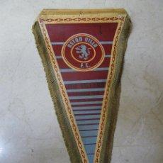 Coleccionismo deportivo: BANDERÍN DEL ASTON VILLA F. C. (NECESITA LIMPIAR). SIN PALO PARA COLGAR . Lote 43388433