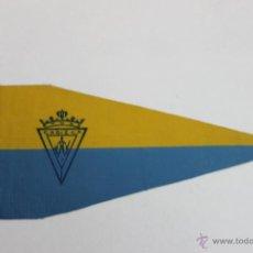 Coleccionismo deportivo: BANDERIN CADIZ FUTBOL CLUB ANTIGUO. Lote 44104208