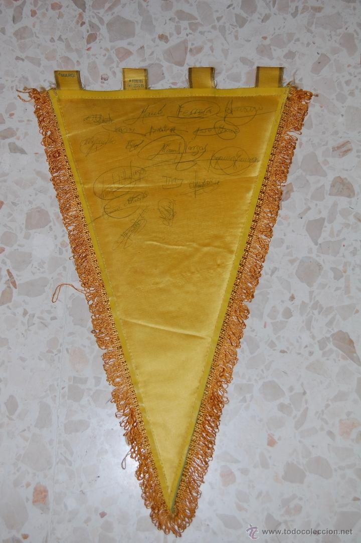 Coleccionismo deportivo: cadiz cf . banderin firmado por jugadores - Foto 2 - 45019879