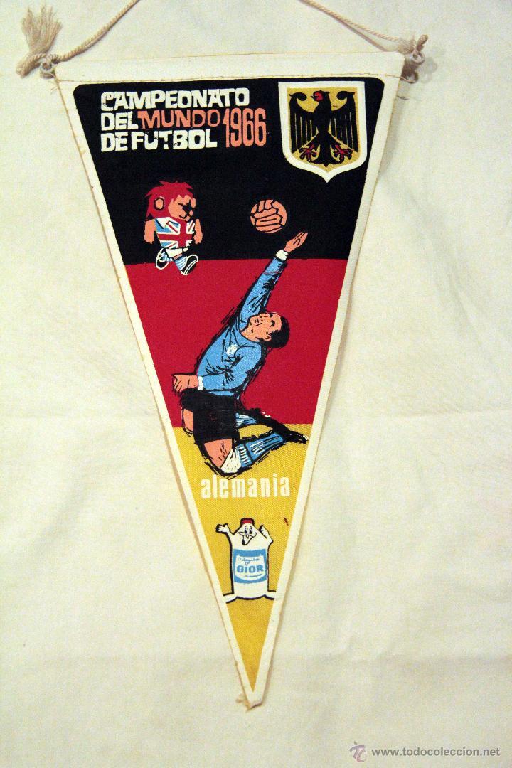 BANDERIN DEL CAMPEONATO DEL MUNDO DE FUTBOL 1966 ALEMANIA. (Coleccionismo Deportivo - Banderas y Banderines de Fútbol)