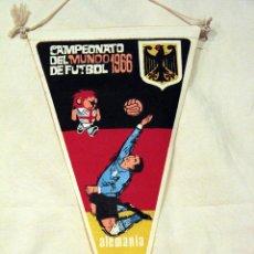 Coleccionismo deportivo: BANDERIN DEL CAMPEONATO DEL MUNDO DE FUTBOL 1966 ALEMANIA. . Lote 45935201