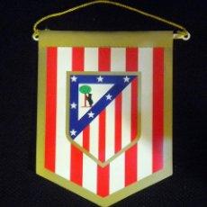 Coleccionismo deportivo: BANDERIN PENNANT ATLETICO DE MADRID. PARA COCHE. Lote 195422938