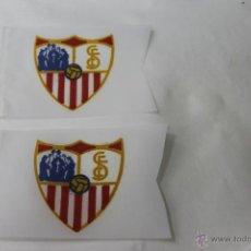 Coleccionismo deportivo: 2 BANDERINES ANTIGUOS FUTBOL SEVILLA CLUB DE FUTBOL. Lote 47705263