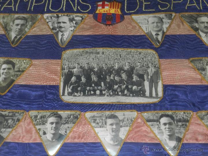 Coleccionismo deportivo: CF BARCELONA - BANDERA ENMARCADA CF BARCELONA CAMPEON DE ESPAÑA 1948 - 1949, FOTOGRAFIAS DEDICADAS - Foto 4 - 48630746