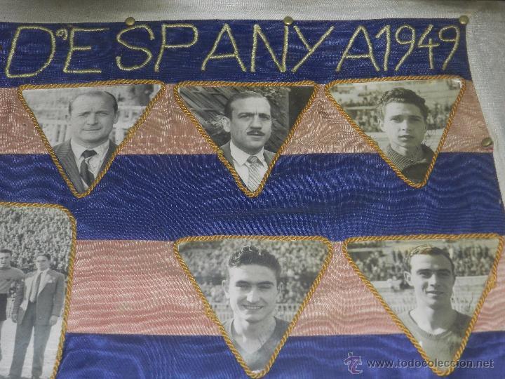 Coleccionismo deportivo: CF BARCELONA - BANDERA ENMARCADA CF BARCELONA CAMPEON DE ESPAÑA 1948 - 1949, FOTOGRAFIAS DEDICADAS - Foto 5 - 48630746