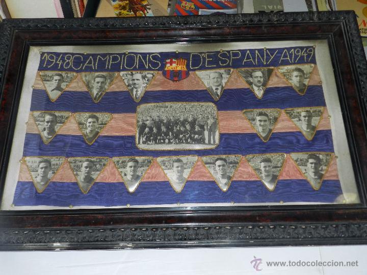 Coleccionismo deportivo: CF BARCELONA - BANDERA ENMARCADA CF BARCELONA CAMPEON DE ESPAÑA 1948 - 1949, FOTOGRAFIAS DEDICADAS - Foto 9 - 48630746