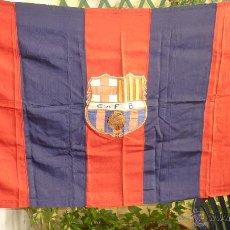 Coleccionismo deportivo: FC BARCELONA. BARÇA. ESPECTACULAR BANDERA O ESTANDARTE PARA PALCO. ESCUDO BORDADO. 160 X 80. AÑOS 50. Lote 48645617