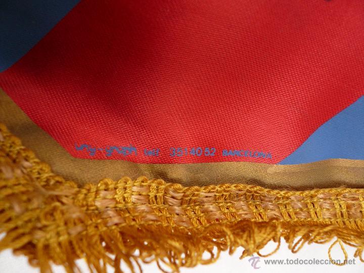 Coleccionismo deportivo: BANDERIN DEL BARCELONA CON 18 AUTOGRAFOS ORIGINALES - Foto 3 - 48733248