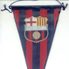 Coleccionismo deportivo: BANDERIN TELA. FC BARCELONA. C DE F BARCELONA. 15 X 27 CM. BARÇA. FUTBOL.. Lote 48926083
