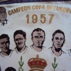 Coleccionismo deportivo: (F-05957)BANDERIN ORIGINAL REAL MADRID,CAMPEON COPA DE EUROPA 1957,ALFREDO DI STEFANO. Lote 49363476