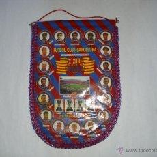 Coleccionismo deportivo: BANDERIN OFICIAL FC BARCELONA TEMPORADA 1994 1995 (MEDIDAS 30 X 45 CM) TETRACAMPIONS. Lote 49471970