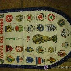 Coleccionismo deportivo: BANDERIN ORIGINAL. FUTBOL. COPA DEL MUNDO. ITALIA 1990.. Lote 49648235