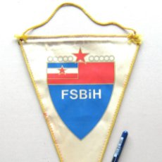 Coleccionismo deportivo: BANDERIN PENNANT BOSNIA I HERZEGOVINA FA FEDERACION FUTBOL ORIGINAL 28 X 20 CM. Lote 49877972