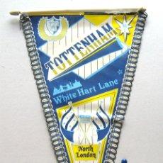 Coleccionismo deportivo: BANDERIN FUTBOL PENNANT TOTTENHAM HOTSPUR FC INGLATERRA ENGLAND 39 X 21 CM BUEN ESTADO . Lote 49902688
