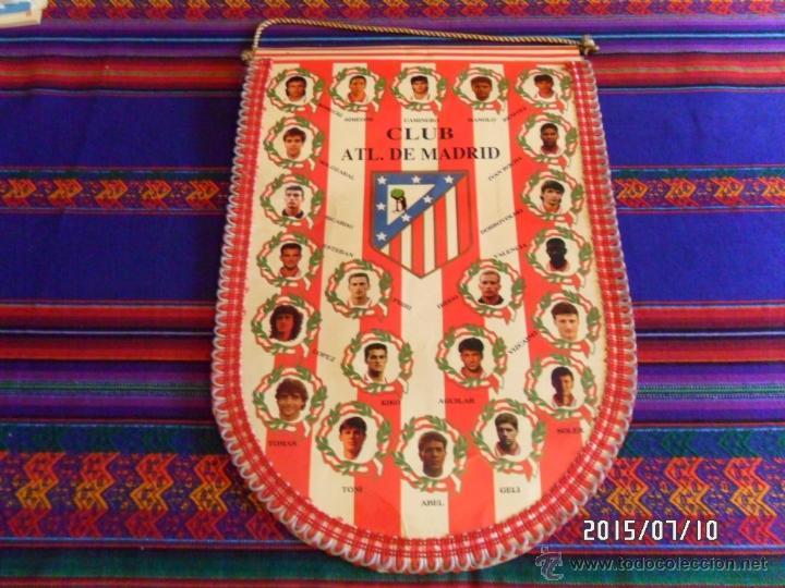 BANDERÍN CLUB ATLÉTICO DE MADRID TEMPORADA 1994 1995 94 95 GRAN TAMAÑO 45X31 CMS. BUEN ESTADO. RARO. (Coleccionismo Deportivo - Banderas y Banderines de Fútbol)