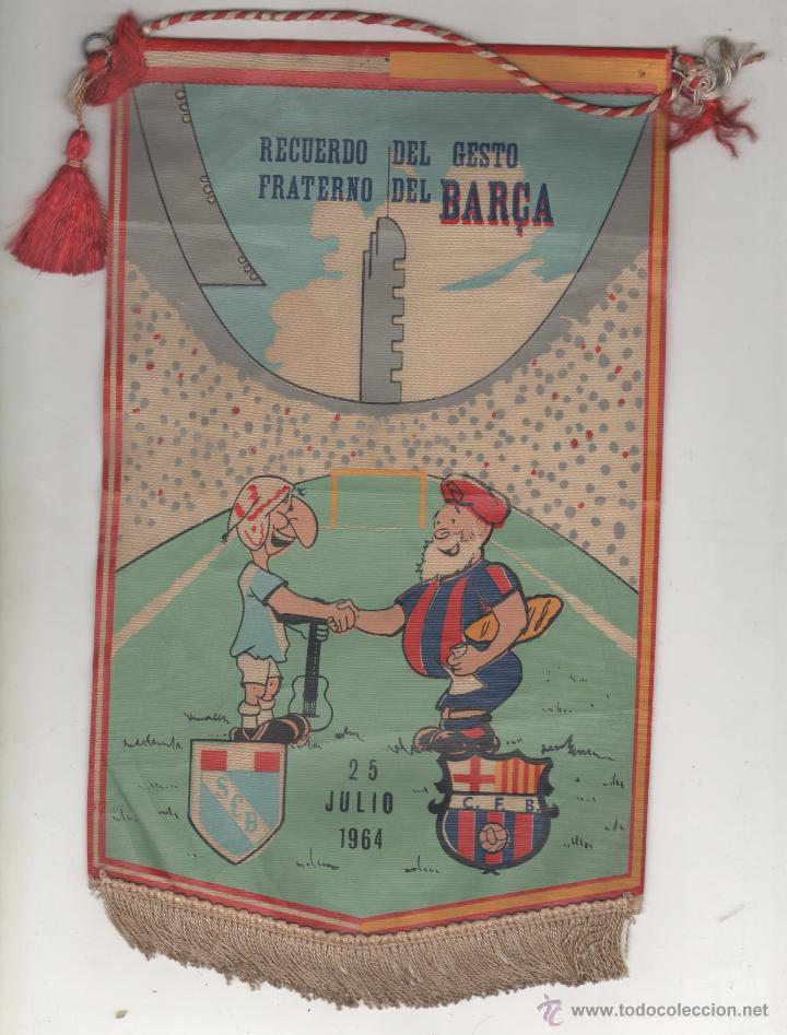 BANDERÍN CONMEMORATIVO SPORTING CRISTAL DE LIMA-F.C. BARCELONA. 25 JULIO 1964. MUY RARO (Coleccionismo Deportivo - Banderas y Banderines de Fútbol)