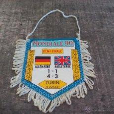 Coleccionismo deportivo: BANDERIN, ESCUDO DE TELA ANTIGUO. FUTBOL. FLAG. MUNDIAL 90. ALEMANIA INGLATERRA. 1990. MONDIALE 90. Lote 50495280