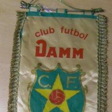 Coleccionismo deportivo: BANDERÍN DE FÚTBOL DE CLUB FÚTBOL DAMM - FUNDADO 1954. Lote 51163866