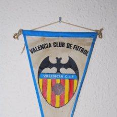 Coleccionismo deportivo: BANDERÍN VALENCIA CLUB DE FÚTBOL - AÑOS 60-70. Lote 52482583