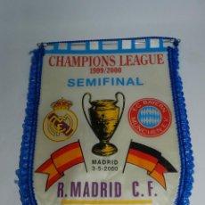 Coleccionismo deportivo: BANDERIN DE LA CHAMPIONS LEAGUE, SEMIFINAL, REAL MADRID - F.C. BAYERN MÜNCHEN, MADRID 3-5-2000 - MID. Lote 52832367