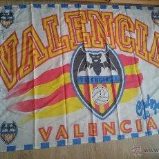 Coleccionismo deportivo: ANTIGUA BANDERA DEL VALENCIA CLUB DE FUTBOL. Lote 52941497