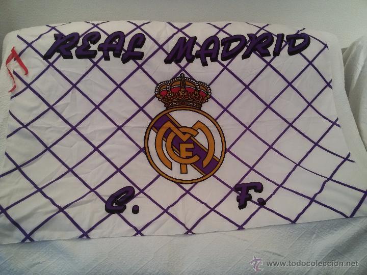 Coleccionismo deportivo: ESPECTACULAR BANDERA DEL REAL MADRID-136X95 CM - Foto 9 - 150836224