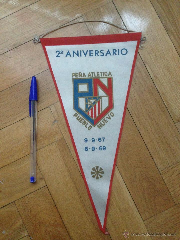 BANDERIN AT ATLETICO MADRID PEÑA ATLETICA PUEBLO NUEVO 1967 1969 (Coleccionismo Deportivo - Banderas y Banderines de Fútbol)