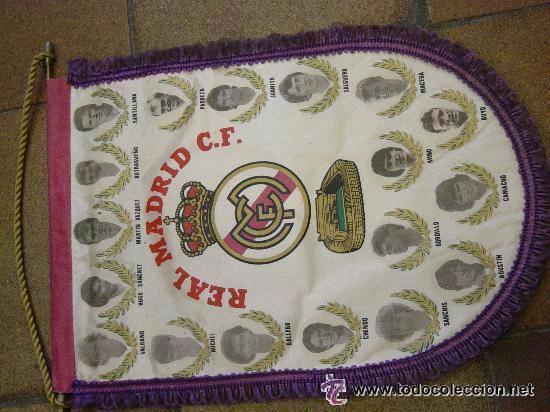 BANDERIN ORIGINAL REAL MADRID. VALDANO, HUGO SANCHEZ, CAMANCHO, BUTRAGUEÑO. JUANITO, CHENDO, (Coleccionismo Deportivo - Banderas y Banderines de Fútbol)