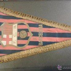 Coleccionismo deportivo: BANDERÍN ORIGINAL DE FUTBOL CLUB BARCELONA AÑOS 50/60. MEDIDA 35 CM. Lote 53852332