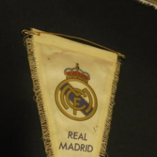 Coleccionismo deportivo: BANDERIN REAL MADRID - APROX. 37 CM X 20 CM. - . Lote 54365559