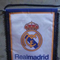 Coleccionismo deportivo: BANDERIN FUTBOL CLUB REAL MADRID OFICIAL. Lote 54573133