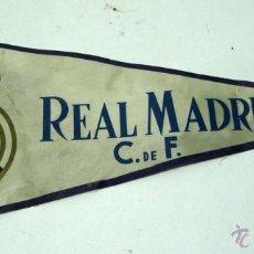 Coleccionismo deportivo: BANDERIN REAL MADRID AÑOS 70-- 37 CM . Lote 54592182