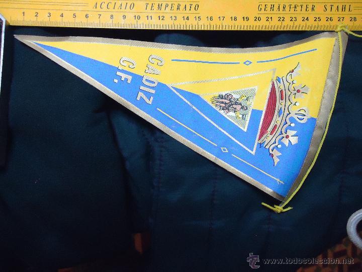 ANTIGUO BANDERIN DEL CADIZ CLUB DE FUTBOL (Coleccionismo Deportivo - Banderas y Banderines de Fútbol)