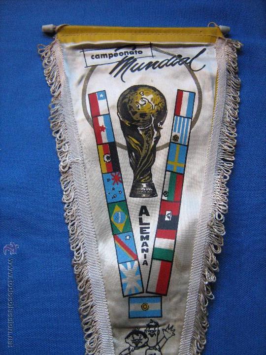 Coleccionismo deportivo: BANDERIN CON LAS BANDERAS DE LOS EQUIPOS DEL MUNDIAL DE ALEMANIA DE 1974 - COPA MUNDO 74 - Foto 2 - 54810289